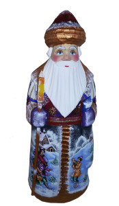CK_ish18007 Traditionally hand carved of wood from linden tree and hand painted Santa Claus (25-26 cm)
