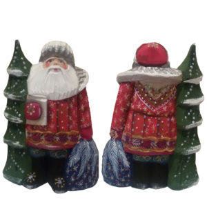 CK_ish9006 Traditionally hand carved of wood from linden tree and hand painted Santa Claus (14-15 cm)