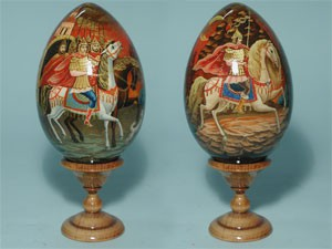 EW1bm2 Theme egg medium, h 13 cm excl.stand, made of wood and hand painted