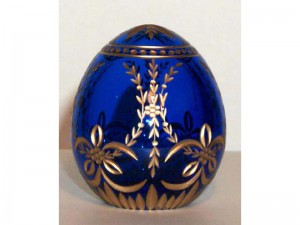 M55b0 Faberge styled crystal egg is hand engraved and covered with gold (sizes: 10cm, 8cm, 6cm), colours: blue, red,green, transparent